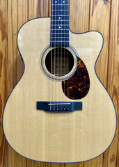 MARTIN & CO OMC-16GTE ACOUSTIC GUITAR WITH PICKUP