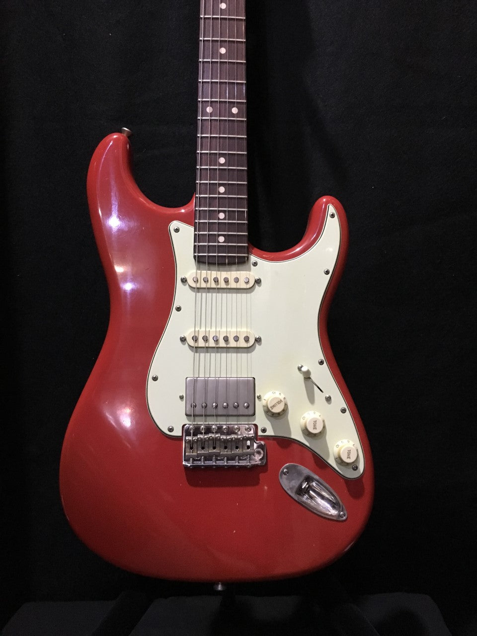 XOTIC CALIFORNIA CLASSIC XSC-2  DAKOTA RED #298 LIGHT AGED - IN HARD CASE