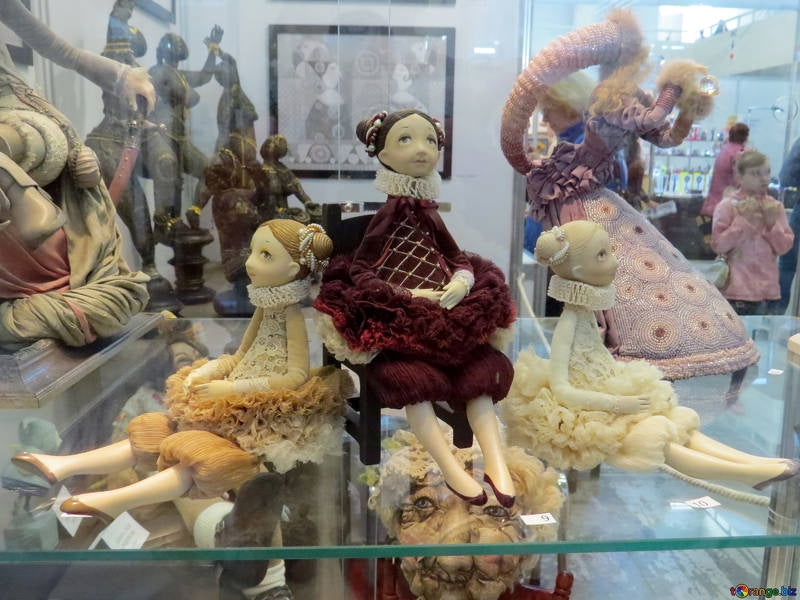 European Dolls and How They Became Collectible Items
