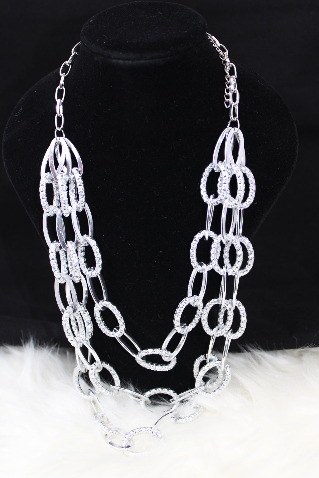 Exaggerated Layers Chain