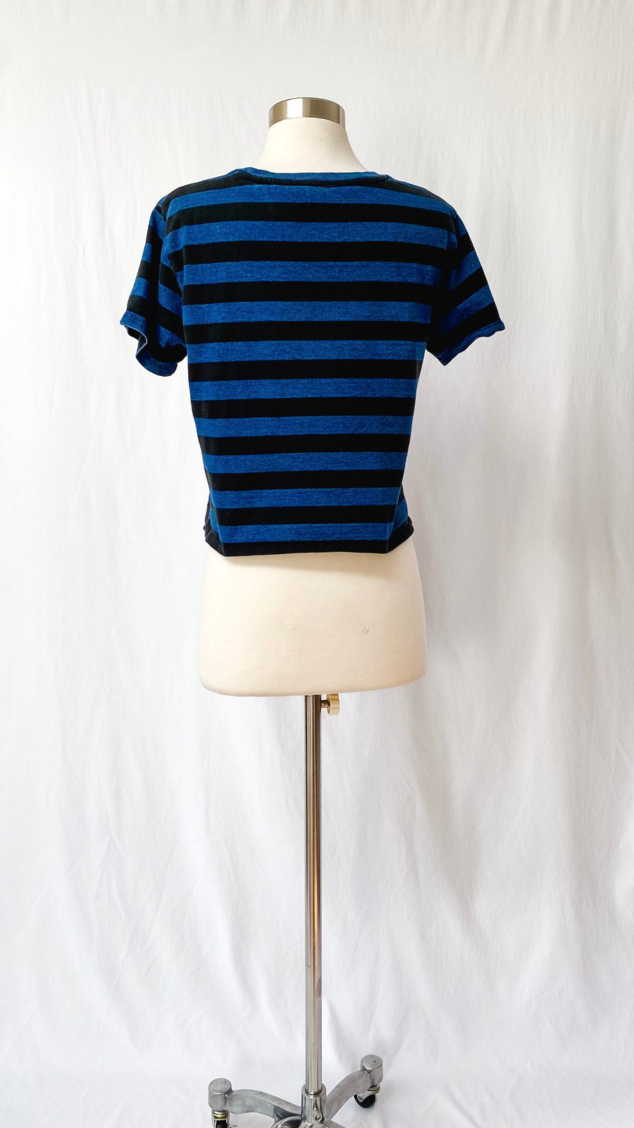Levi's Black + Blue Crop Top Tee (M)