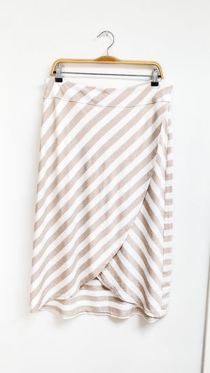 Athleta Ecru + White Wrap Skirt (XL)