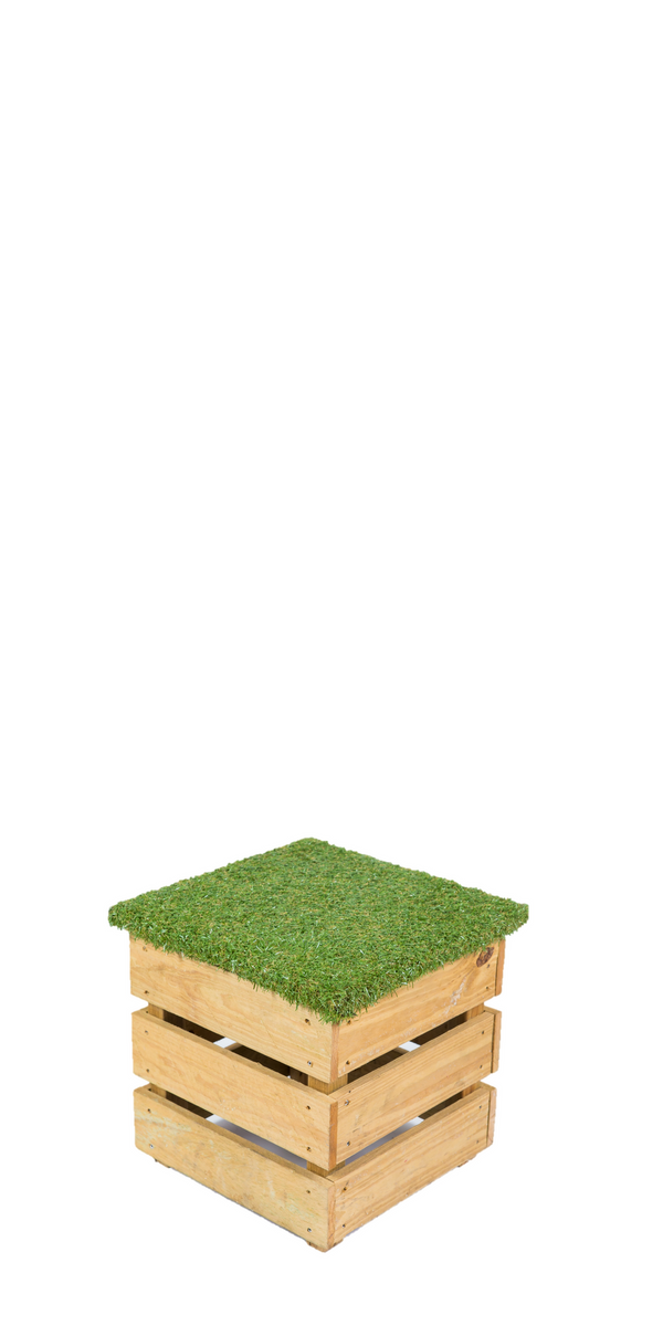 Grass Top Pallet Stool