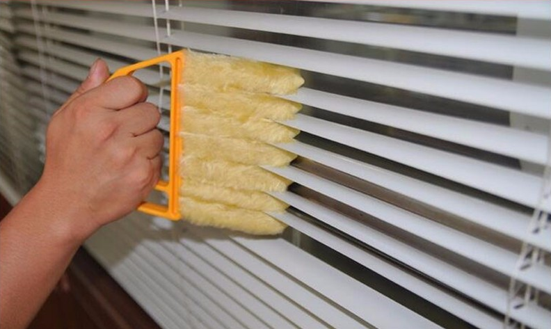 Microfiber Window Cleaning Brush