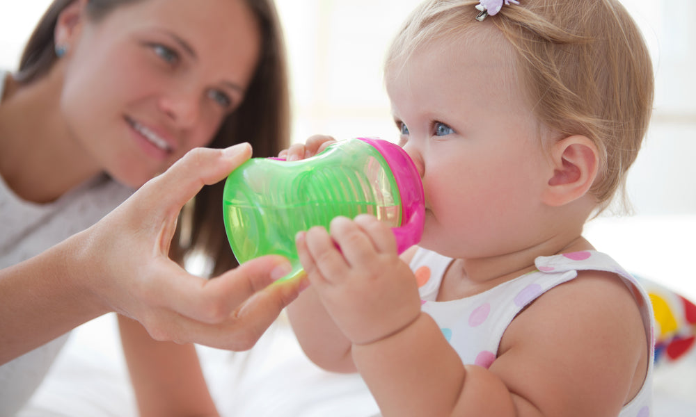 9ce24d52d Bottle to Sippy Cup  When is the Right Time to Make the Switch ...