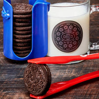Just in Time For Christmas: Oreo Dunking Kits Are Available
