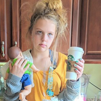 Teen's Tired Mom Halloween Costume is Spot On