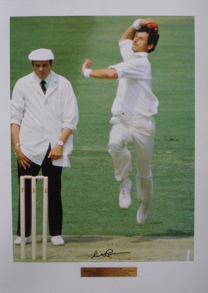 Action unframed bowling print. 'A classical delivery'
