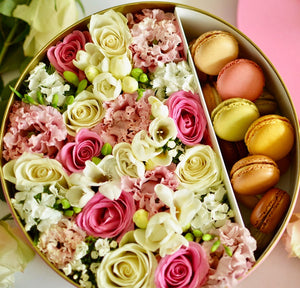Deluxe flowers&macaroons gift box, big