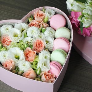 White Heart flowers&macarons, big