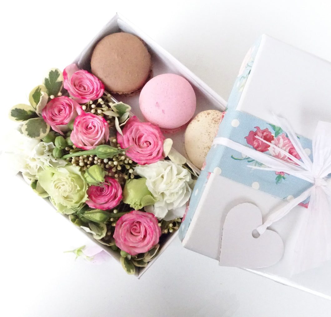 flower box with 3 macarons