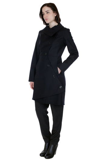 Swerve Coat in Wool/ Nylon/Cashmere / Black