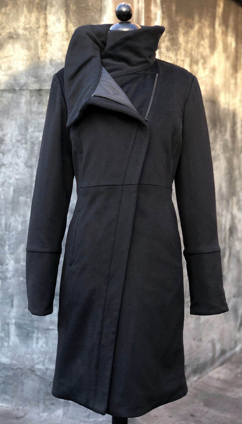 High Collar thinsulated zip coat/ Black