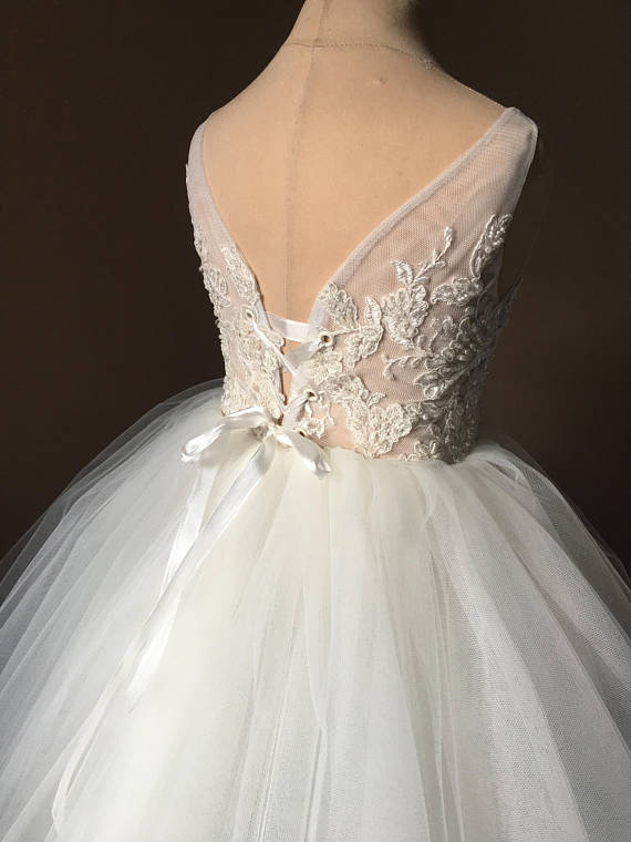 Lovely Princess dresses, Ivory Lace Tulle Flower Girl Dress, FG0202