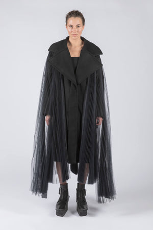 PILLBOX TULLE - Coat