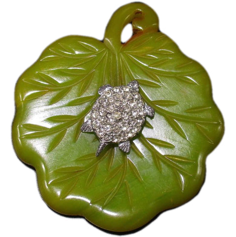 Vintage Bakelite Ladies Split Pea Leaf Motif Brooch