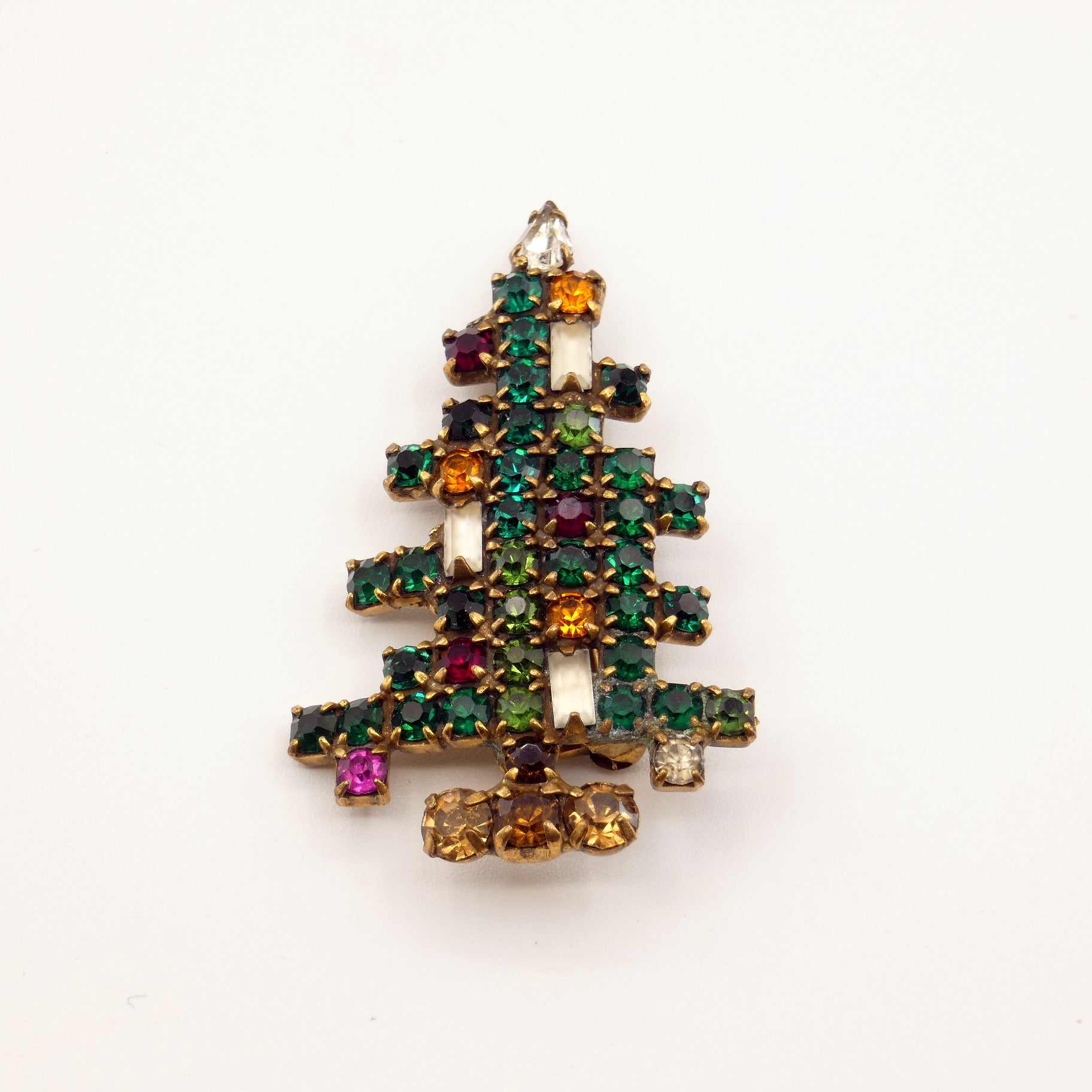 Mid Century Weiss Jewelry Rhinestone Christmas Tree Pin