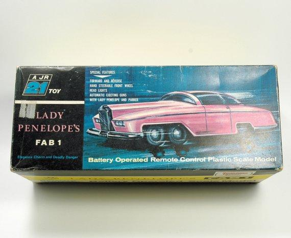 Thunderbirds Lady Penelope FAB 1 Rolls Royce Battery Operated (c.1965) - indypicker-com