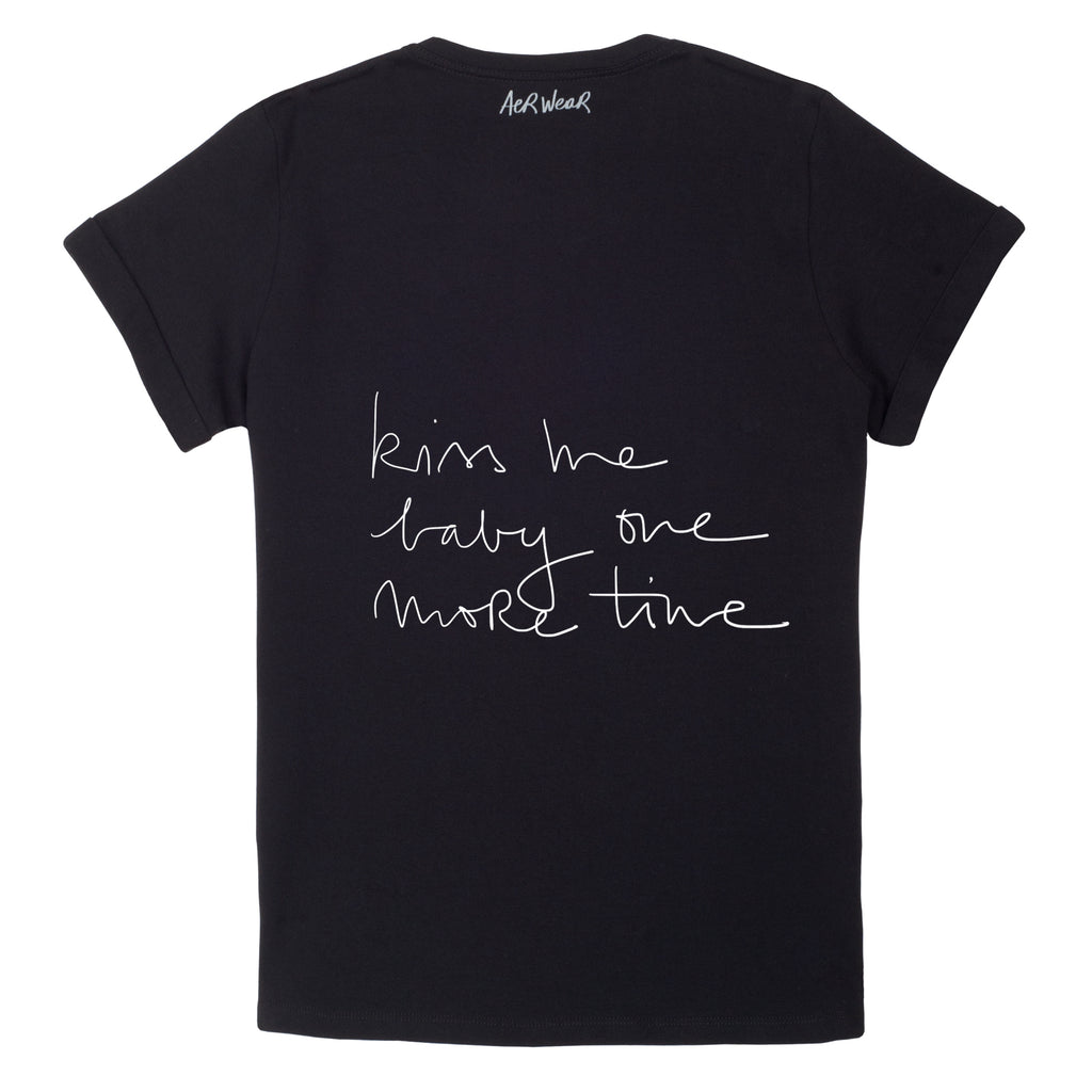 KISS ME BABY Tshirt Black version