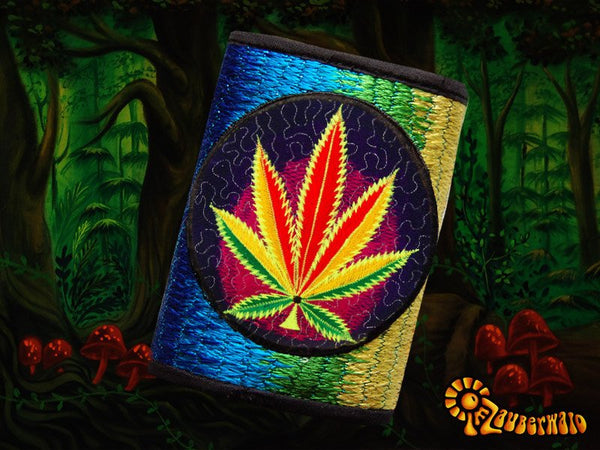 4 variations of cannabis moneypockets - pocket for coins and cards and 2 for papermoney with hook & loop - blacklight active weed thc wallet