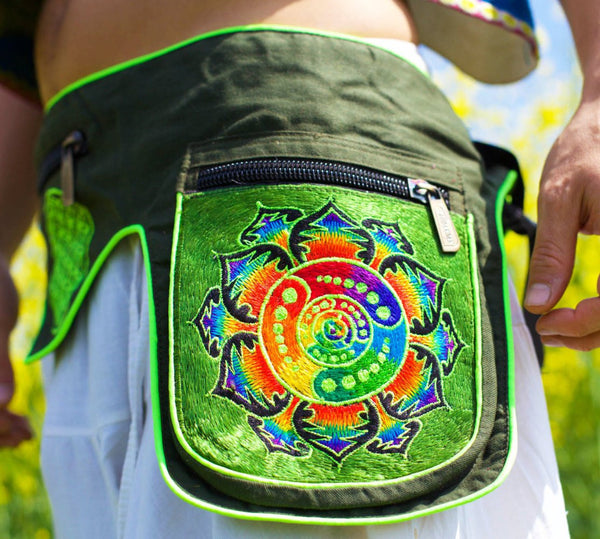 Beltbag Rainbow Attributes - 7 pockets, strong ziplocks, size adjustable with hook & loop and clip - blacklight active lines crop circle