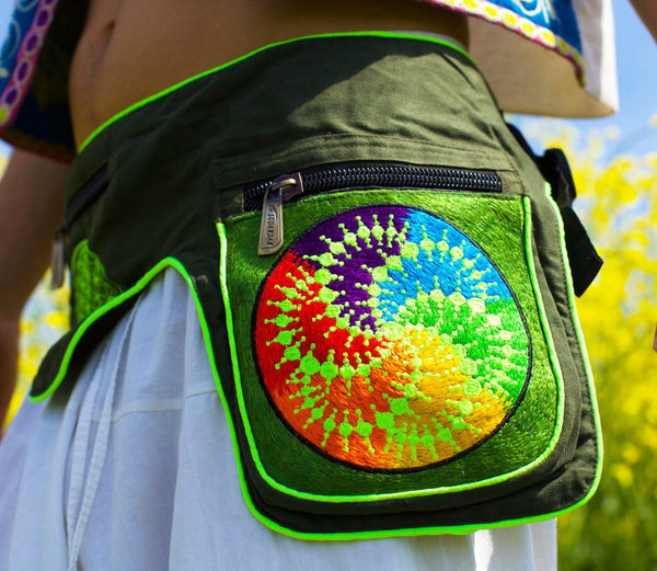 Beltbag Fractal crop circle - 7 pockets, strong ziplocks, size adjustable with hook & loop and clip - blacklight active lines crop circle