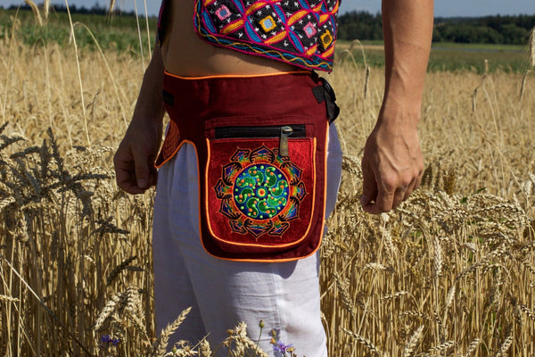 Beltbag Ticombe crop circle - 7 pockets, strong ziplocks, size adjustable - hook & loop and clip - blacklight active lines hippie waistbag