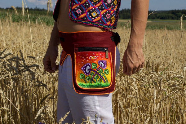 Beltbag Mushroom Planet Red - 7 pockets, strong ziplocks, size adjustable with hook & loop and clip - blacklight active lines good luck