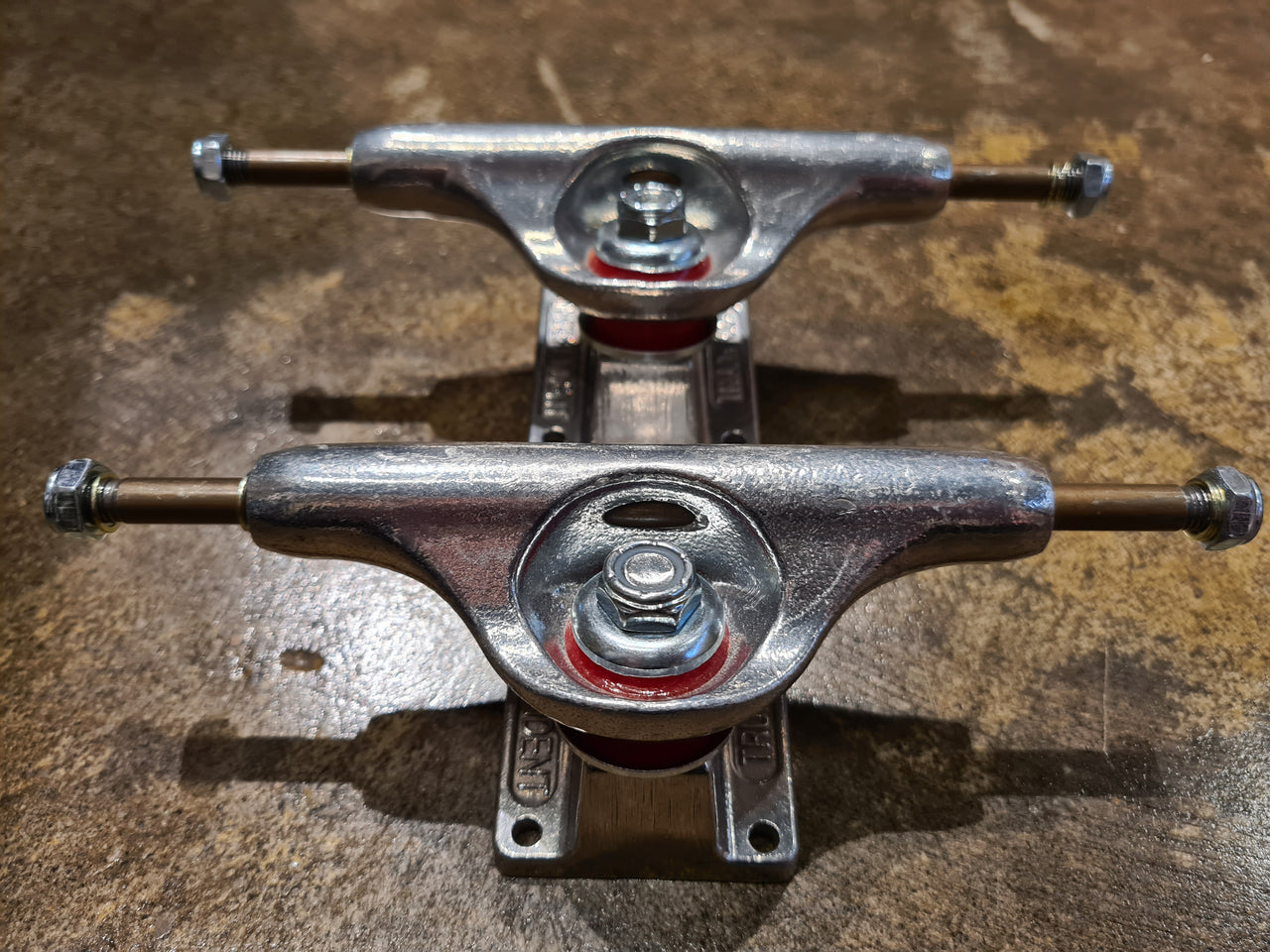 Independent 129 Silver Low Trucks - Set of 2