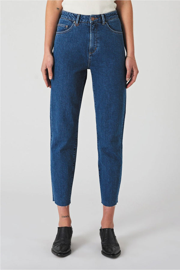 Neuw Ladies Lola Mom Jeans - Front Full
