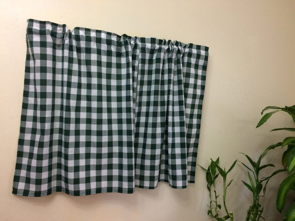 Cafe style hunter green gingham