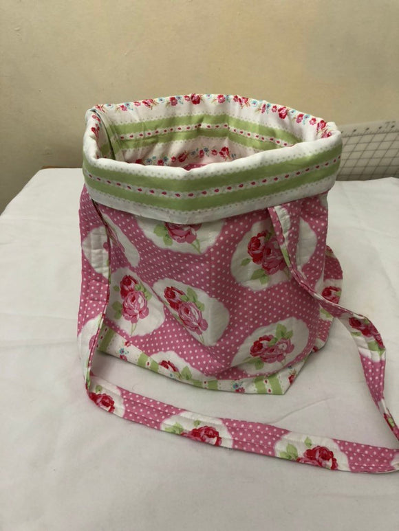 Beautiful vintage flower with contrast colors inside , pink and green bag