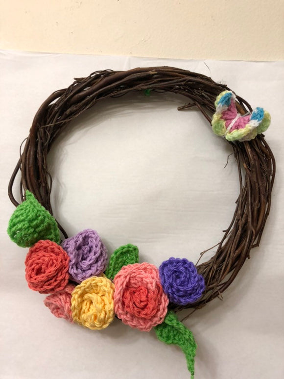 Willow Wreath with hand crochet roses 12