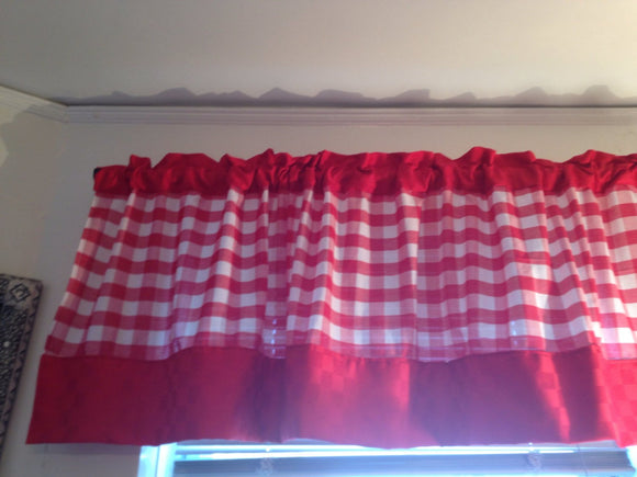 Red Gingham Valance with solid red boarder