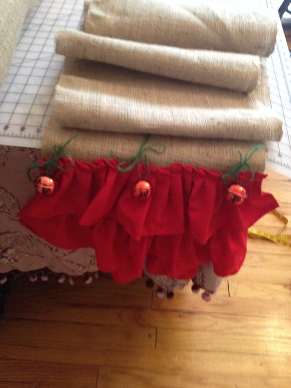 Christmad table runner burlap and red ruffles