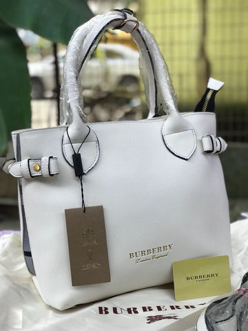 BURBERRY WOMEN TOTE.
