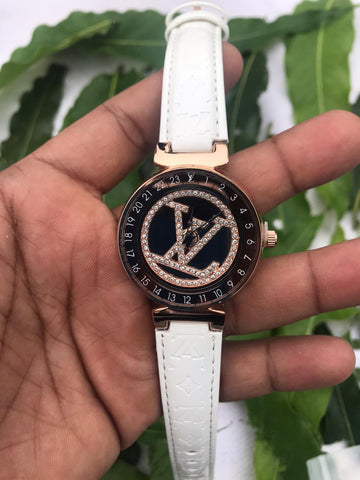LOUIS VUITTON WOMEN WATCH.