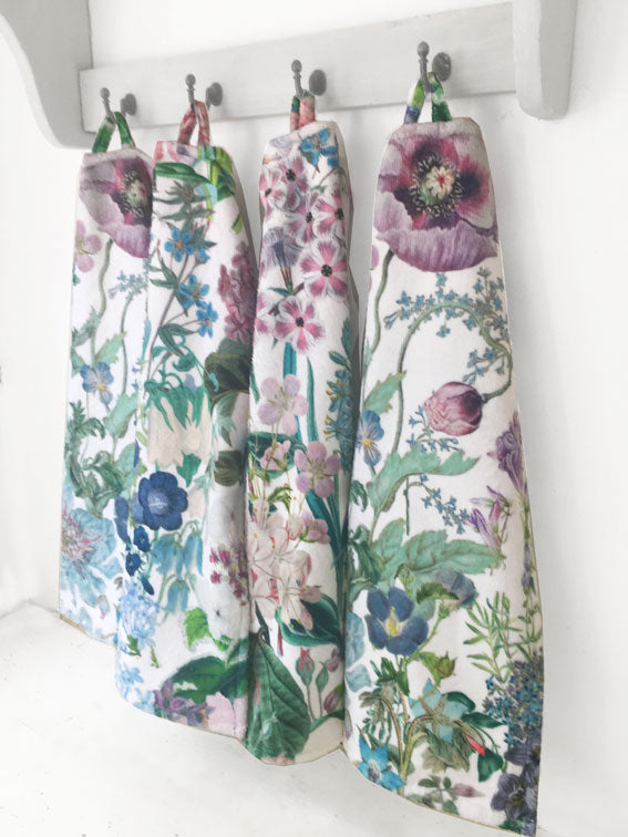 Peacock Pansy Guest Towel