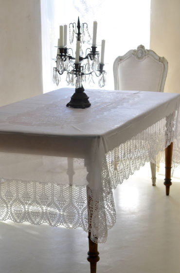 LINEN LOOK | Lace & Embroidery Tablecloth in Vynil - Long