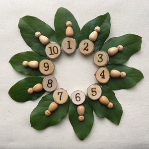 1 to 10 Numbers with 10 Natural Baby Peg Dolls