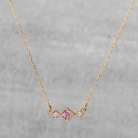 Balance Necklace - Pink sapphires
