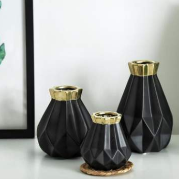 How To Decorate With Vases Without Flowers – Embla