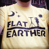 Flat Earth T shirt Astronomer ( Nasa lies / Flat Earth )