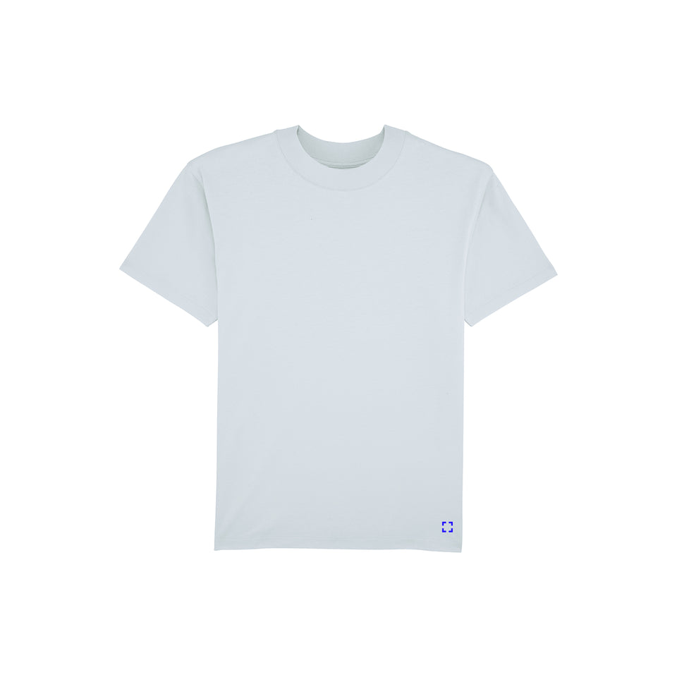 Bruce - la base packshot of an ice-blue t-shirt in organic coton