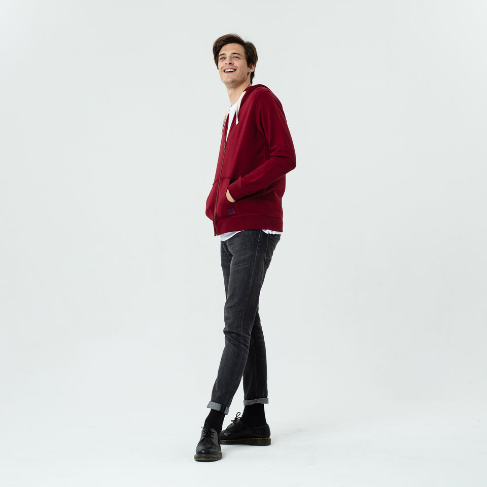 Luke - la base burgundy zipped hoodie in organic coton worn by Sebastien François