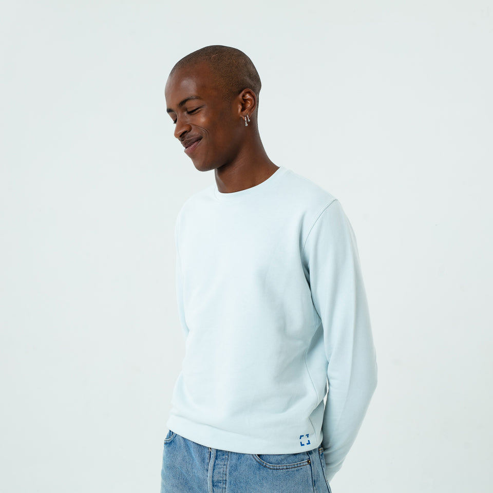 Mac - la base ice-blue usinex sweat in organic coton for women and men worn by Eklou