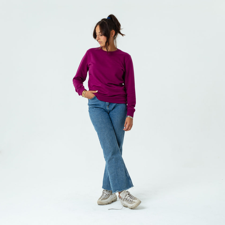 Mac - la base magenta usinex sweat in organic coton for women and men worn by Elodie Gerard in a comfy way