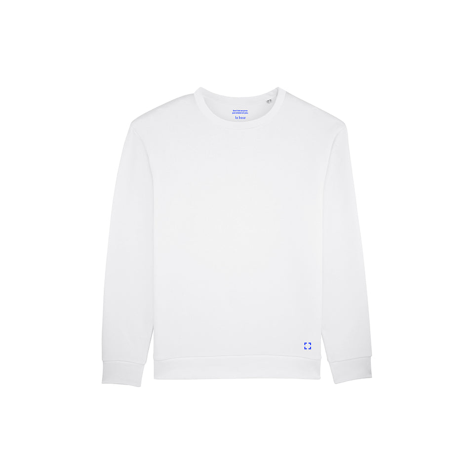 Marty - la base packshot of a white usinex sweat in organic coton for women and men
