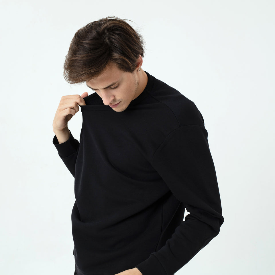 Marty - la base black usinex softest sweat in organic coton for women and men worn by Sebastien François