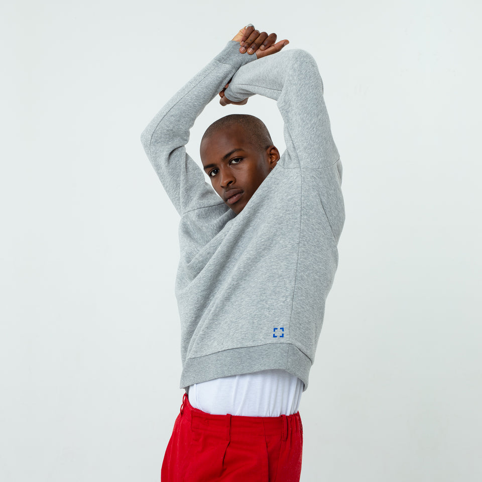 Marty - la base heather-grey usinex softest sweat in organic coton for women and men worn by Eklou
